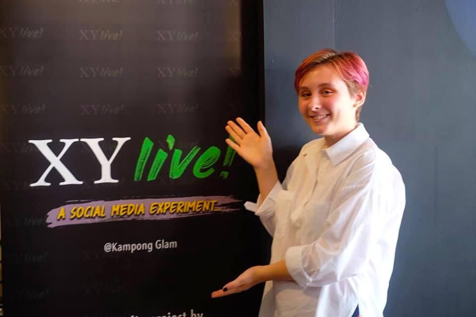 "XY 'Live"""